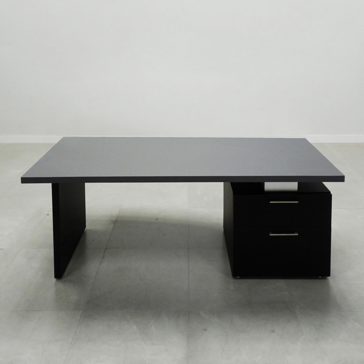 Avenue Straight Solid Top Executive Desk