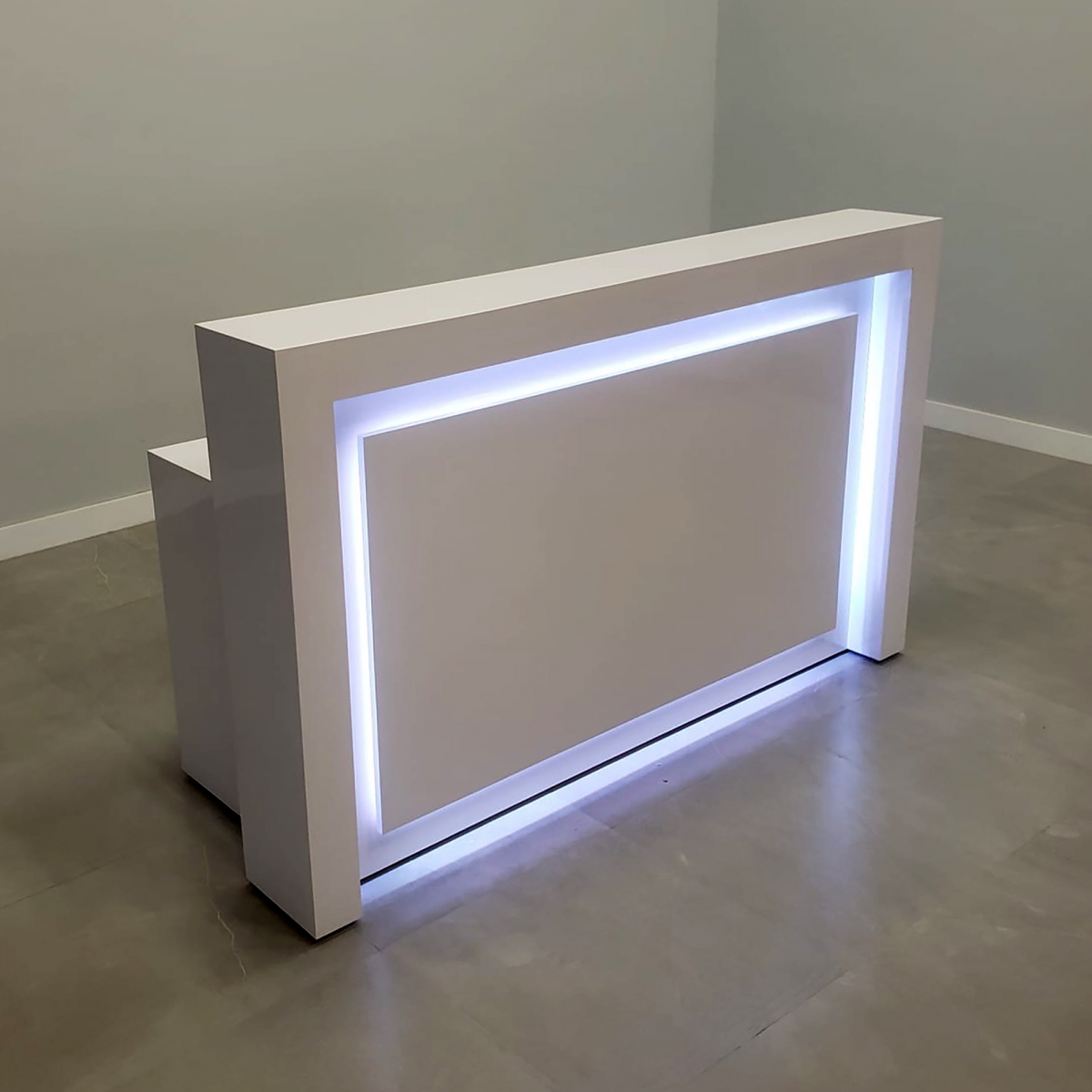 New York Custom Reception Desk