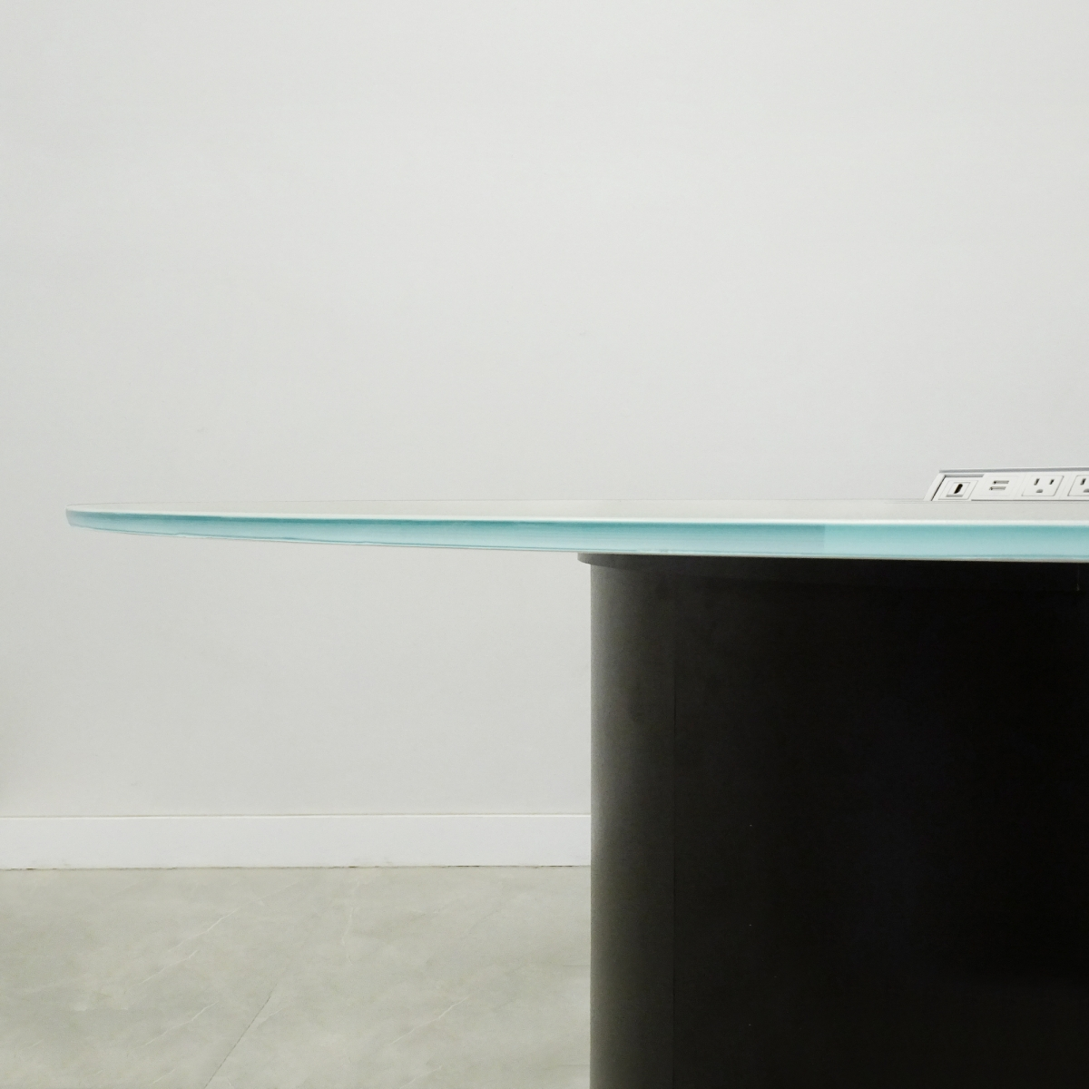 Axis Round Glass Meeting Table