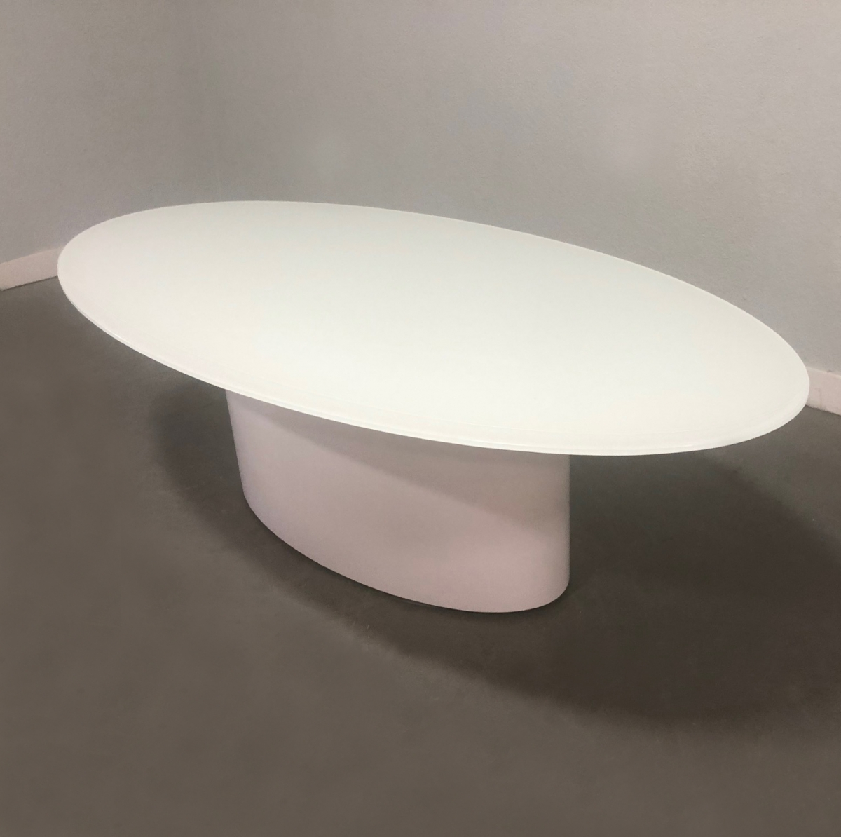 Axis Oval Glass Meeting Table