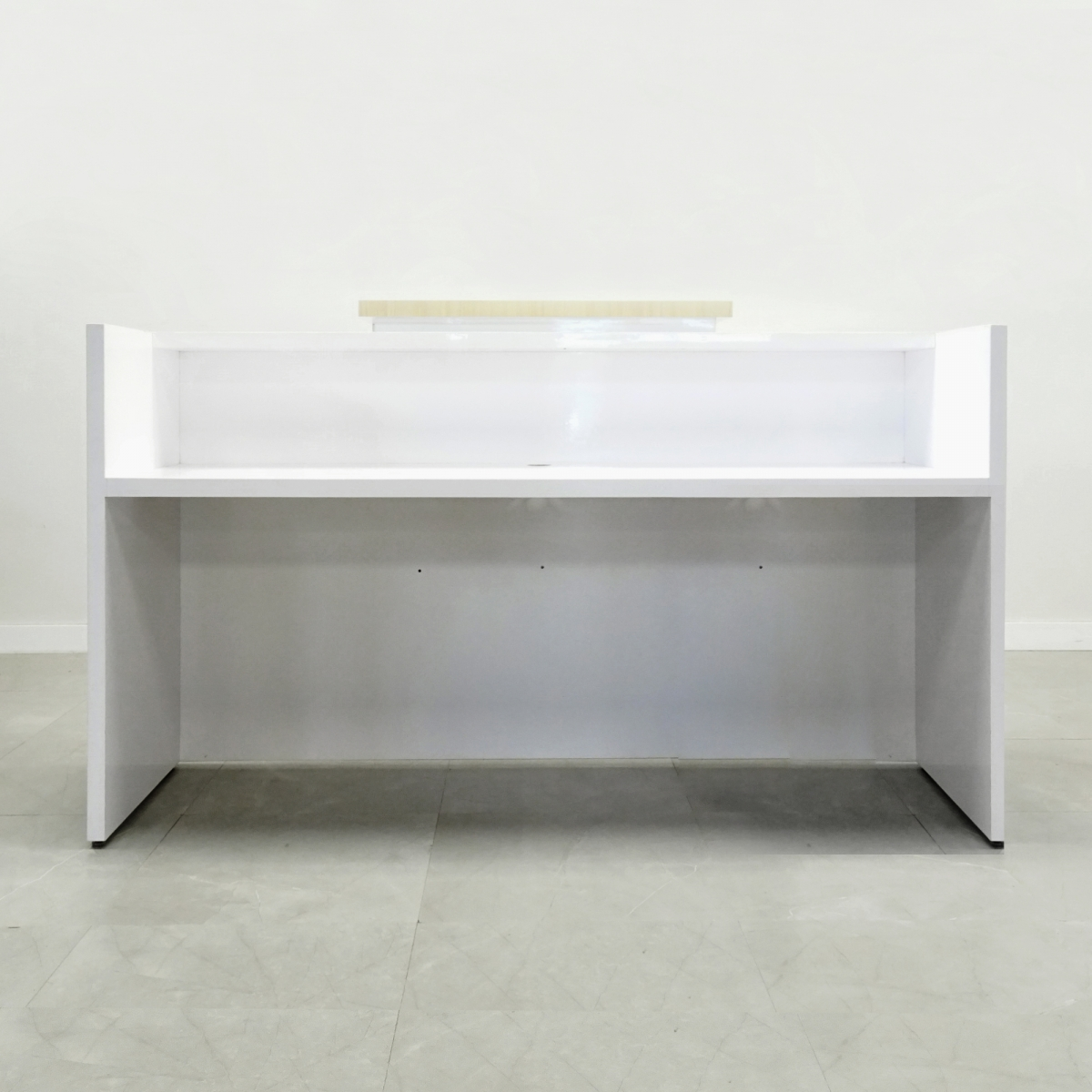 60 In. Chicago Reception Desk white gloss with natural finish PVC laminate counter